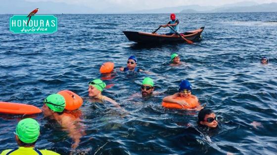 Es un verdadero placer nadar en el lago de Yojoa