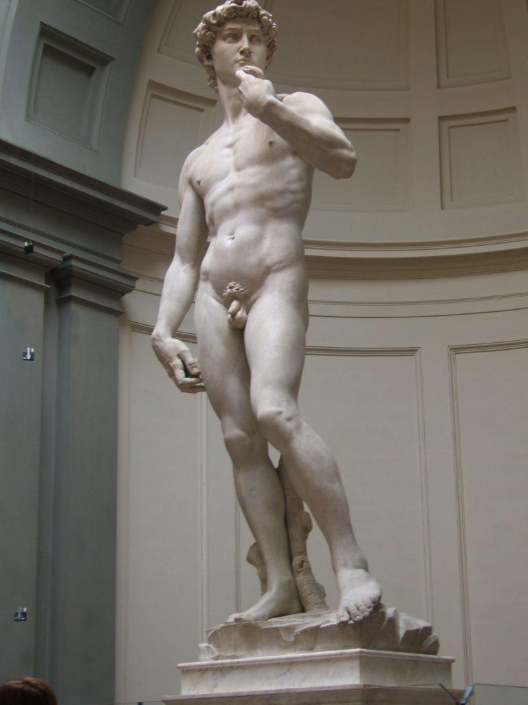 El David de Miguel Angel es uno de los principales atractivos que responden a la pregunta de ¿Qué ver en Florencia?
